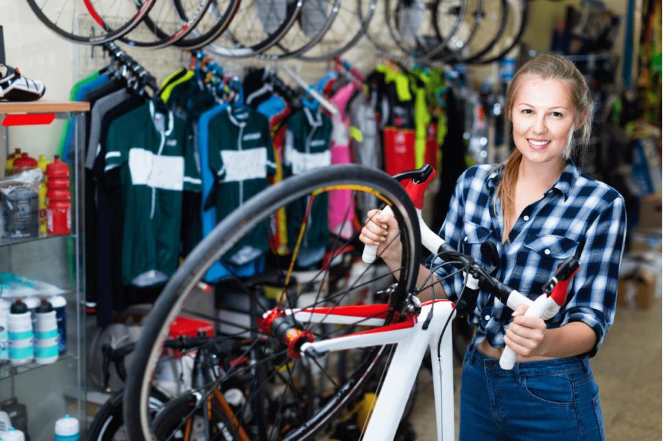 La ropa y accesorios incrementarán la facturación de tu tienda de bicicletas